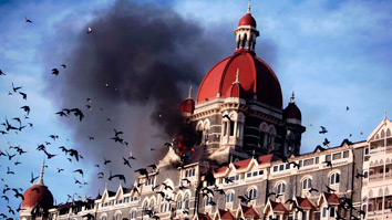 Pics and live updates on Mumbai Terrorist attack by bloggers and Twitters